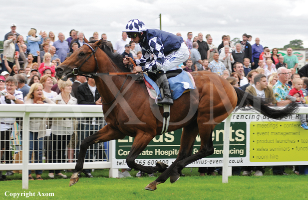 Diescentric winning comfortably at Ripon - August 2011